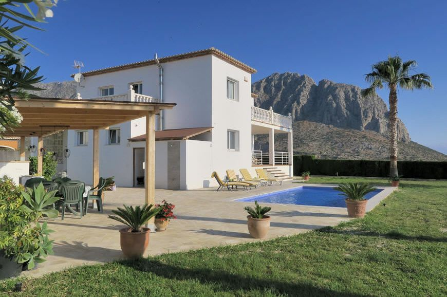private Villa in Beniarbeig bei Denia mieten